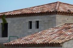 Couverture en tuiles, 2 rangs de génoises demie pleines
