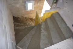 Escalier béton maches balancées