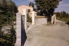 Entrée portail, piliers en pierre de taille