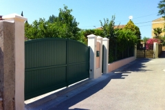 Entrée portail, maçonnerie de piliers, enduits extérieurs, création d'un portillon